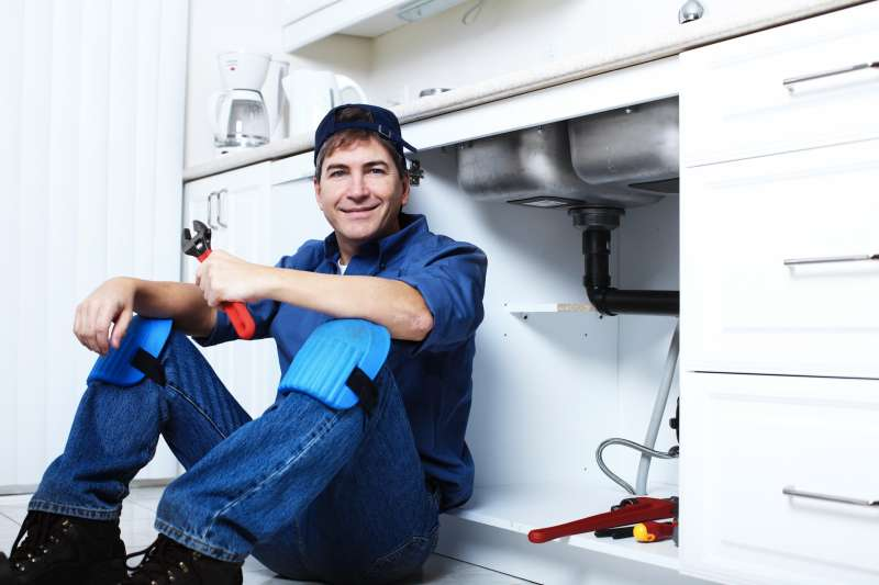 https://plumbinganddrainrepair.com/wp-content/uploads/1607/75/24_hour_emergency_plumber_009.jpg