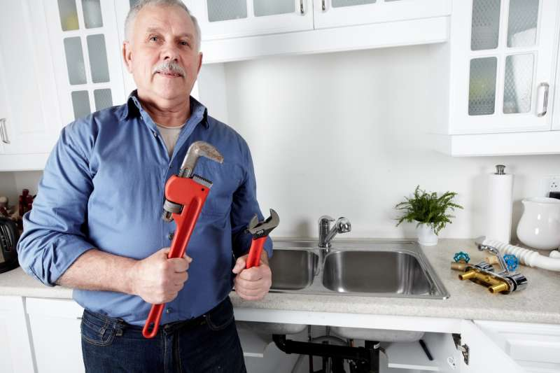 https://plumbinganddrainrepair.com/wp-content/uploads/1607/75/24_hour_emergency_plumber_012.jpg