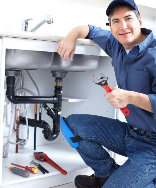 https://plumbinganddrainrepair.com/wp-content/uploads/1607/75/24_hour_emergency_plumber_015-533x640.jpg