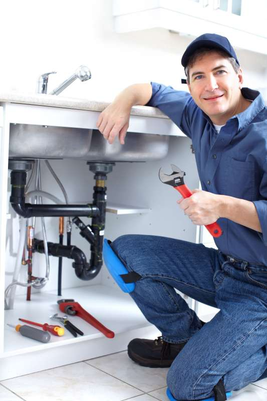 https://plumbinganddrainrepair.com/wp-content/uploads/1607/75/24_hour_emergency_plumber_015.jpg