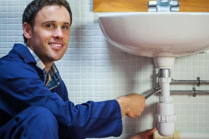 https://plumbinganddrainrepair.com/wp-content/uploads/1607/75/24_hour_emergency_plumber_017.jpg