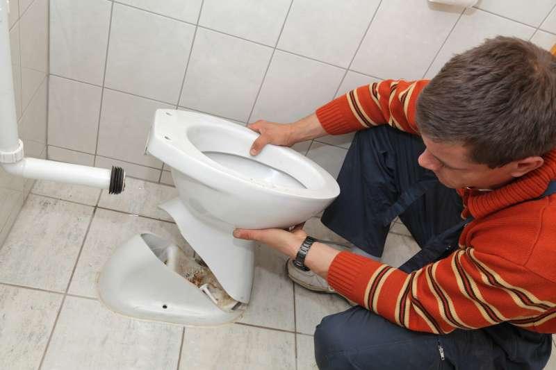https://plumbinganddrainrepair.com/wp-content/uploads/1607/75/24_hour_emergency_plumber_049.jpg