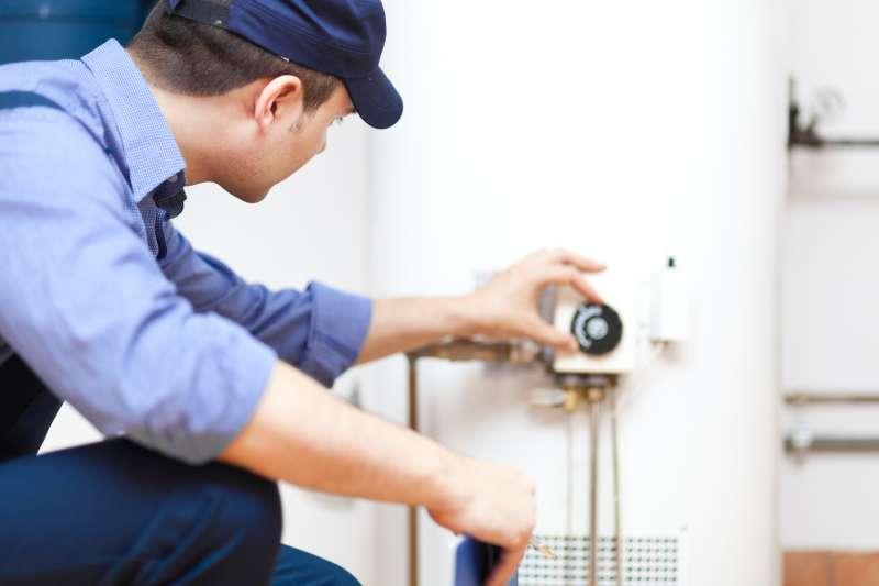 https://plumbinganddrainrepair.com/wp-content/uploads/1607/75/24_hour_emergency_plumber_067.jpg