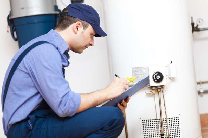 https://plumbinganddrainrepair.com/wp-content/uploads/1607/75/24_hour_emergency_plumber_097.jpg