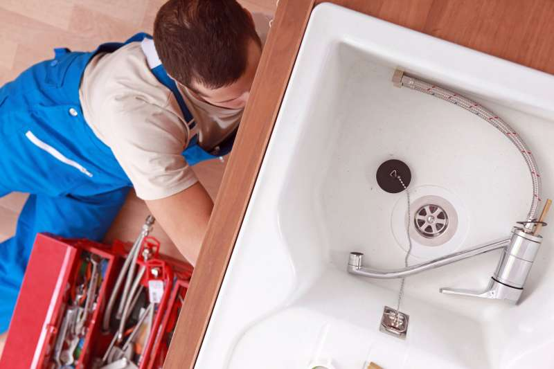 https://plumbinganddrainrepair.com/wp-content/uploads/1607/75/24_hour_emergency_plumber_102.jpg