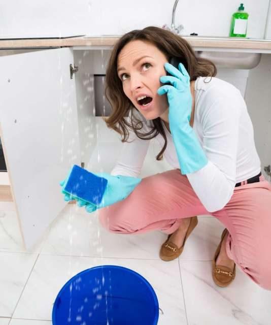 https://plumbinganddrainrepair.com/wp-content/uploads/1607/75/24_hour_emergency_plumber_114-534x640.jpg