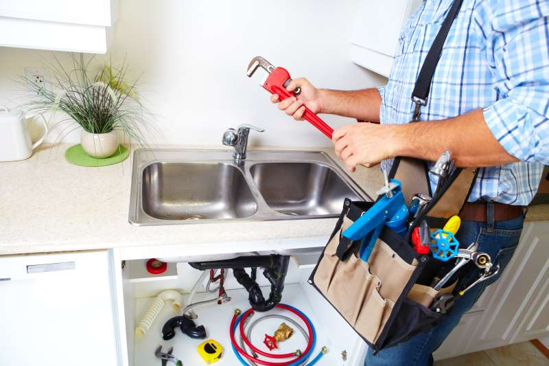 https://plumbinganddrainrepair.com/wp-content/uploads/1607/75/24_hour_emergency_plumber_115.jpg