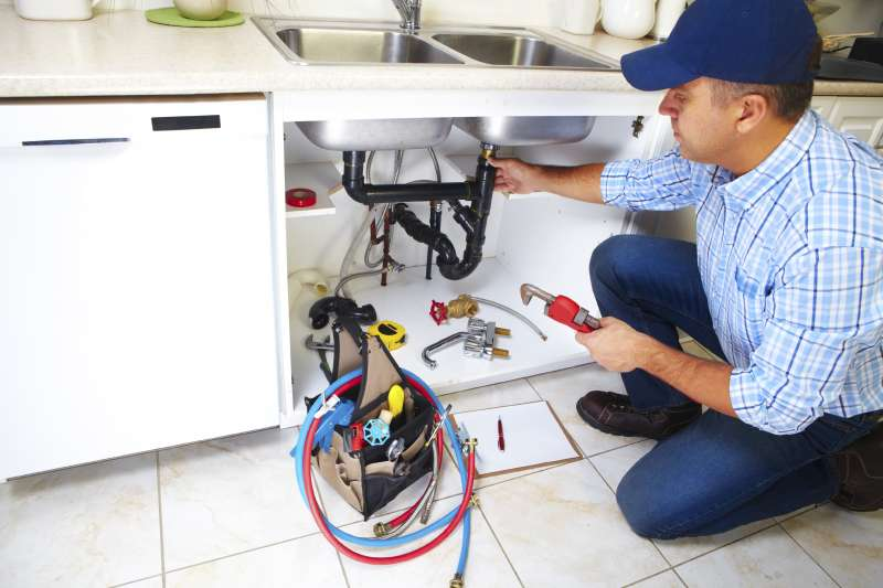 https://plumbinganddrainrepair.com/wp-content/uploads/1607/75/24_hour_emergency_plumber_116.jpg